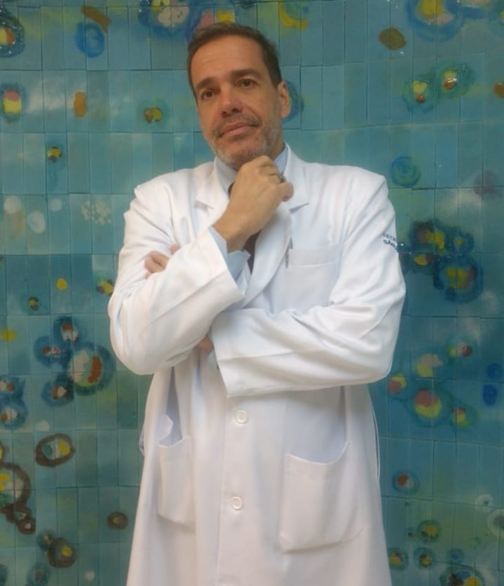 Dr. Marcio Simões de Oliveira