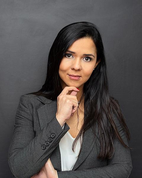 Dra. Luciana Simões Silva